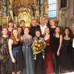 Der ganze Kurs in barocker Laune nach gelungenem Konzert